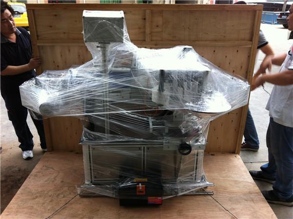 45 m / min Speed Sticker Label Applicator til Sqaure / runde / flade vandflasker