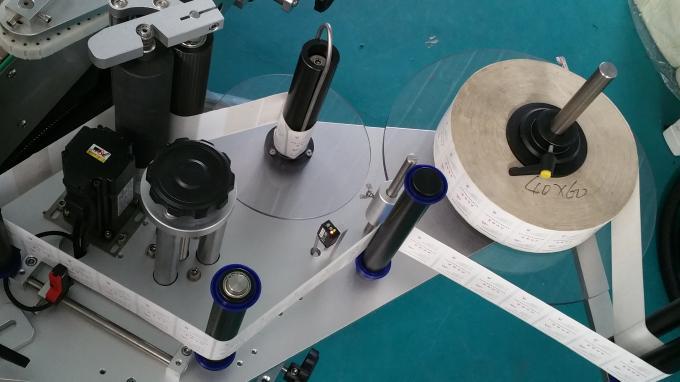 Ovale poser og flasker etiketklisterapplikator, selvklæbende etiketudskrivningsmaskine med lang transportør