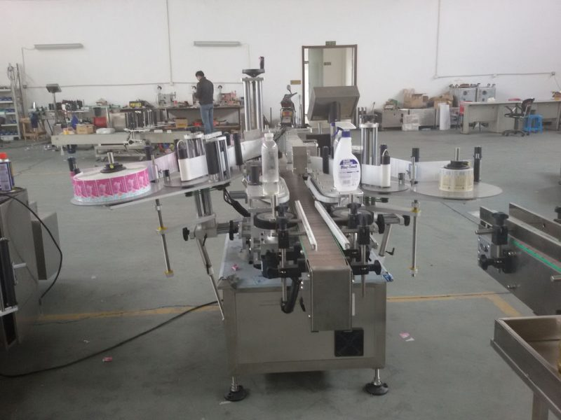 Kina Plast- og glasflasker PLC styrer automatisk dobbeltmærkatmærkning maskinservomotorleverandør