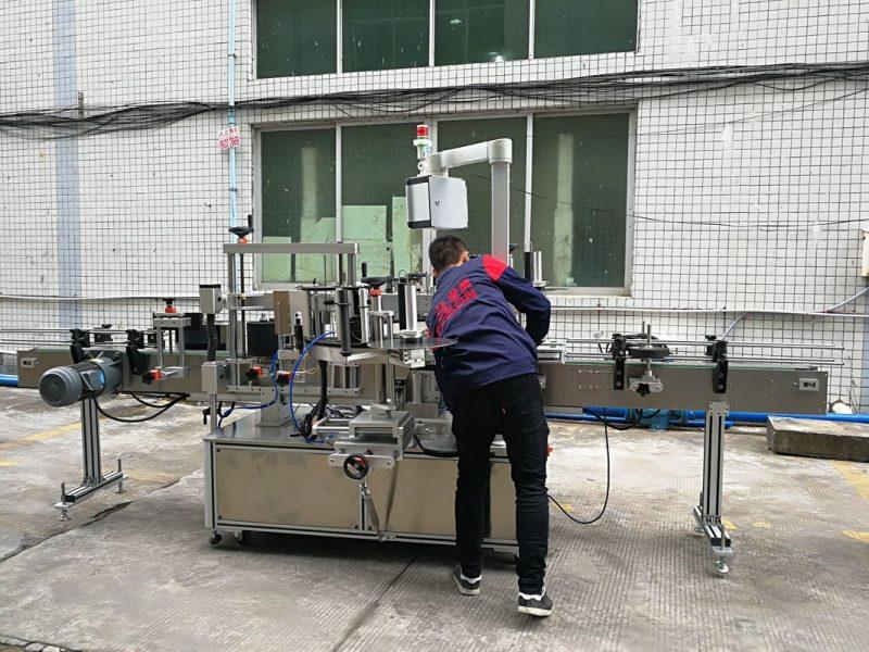 Kina Fuld automatisk vandflaske mærkning maskine til glas / PET flaske leverandør